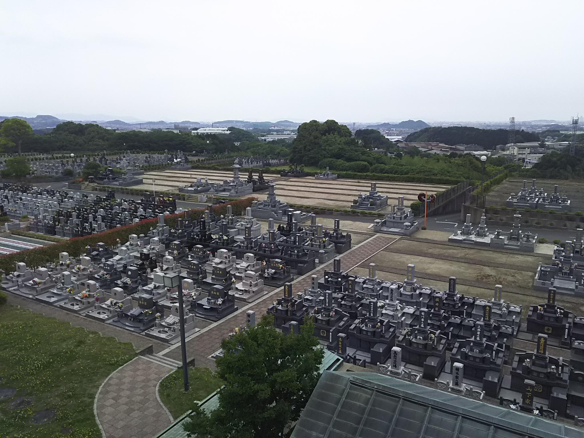 福岡市内を一望できるロケーション 博多霊苑