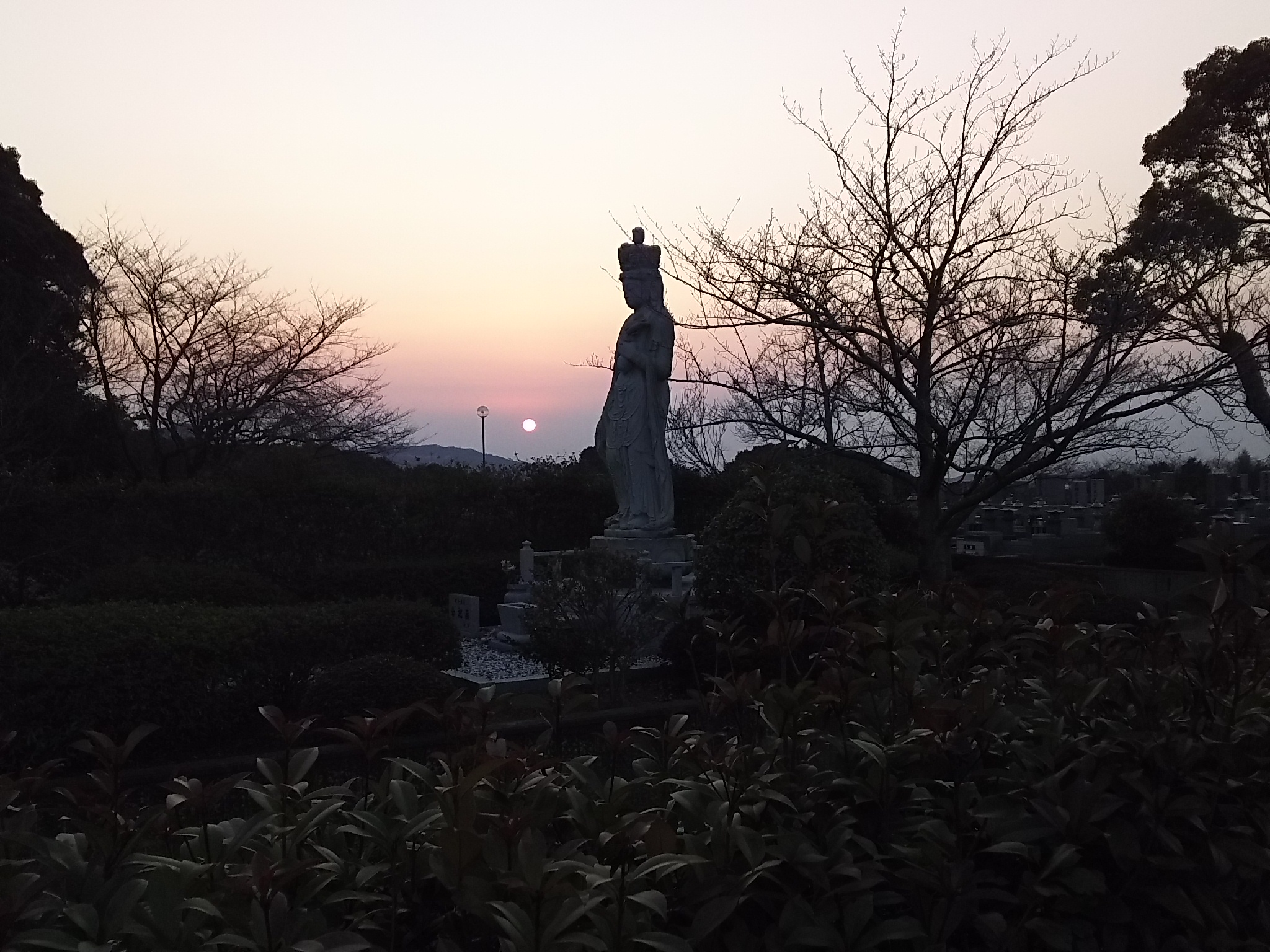 永代にわたり供養と管理をお約束「合祀墓」 十一面観音菩薩像